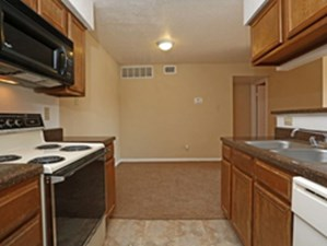 Dining/Kitchen at Listing #140342