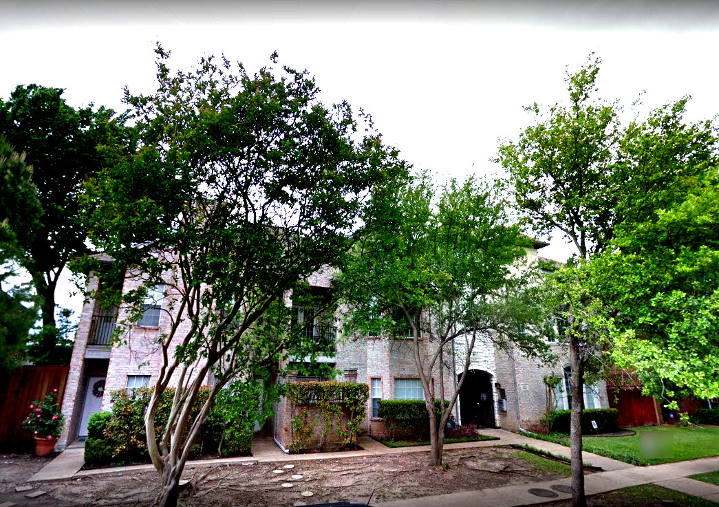 Exterior at Listing #138016