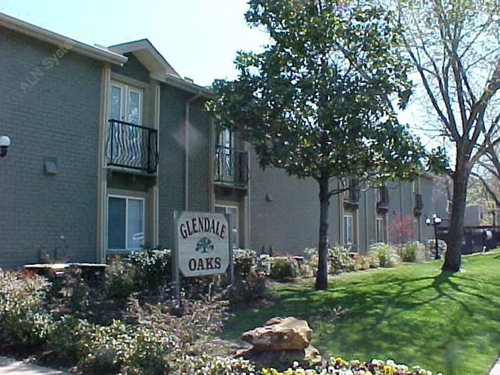 Glendale Oaks Apartments