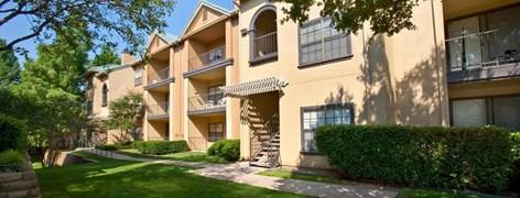 Elmsgate at Cliffside Apartments Arlington TX