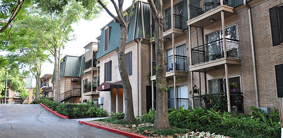Tree Tops at Post Oak Apartments Houston TX