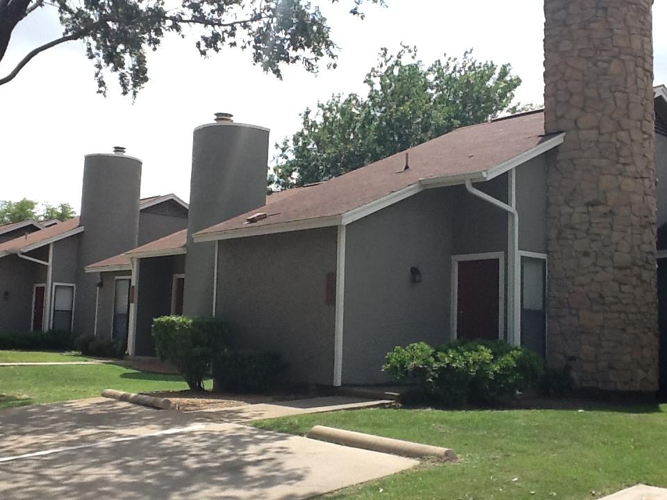 Highland Villas Apartments Arlington, TX