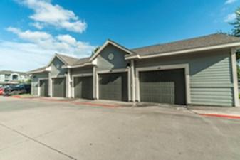 Garages at Listing #147711