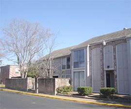 Exterior at Listing #139922