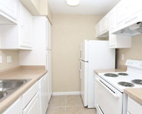Kitchen at Listing #139054