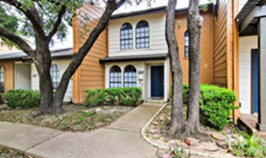Exterior at Listing #296991