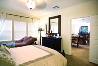 Bedroom at Listing #149604