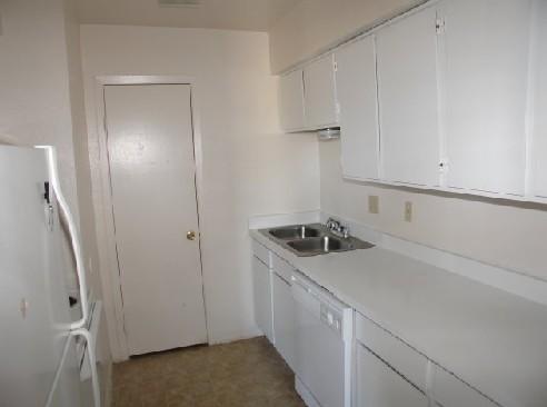 Kitchen at Listing #150399