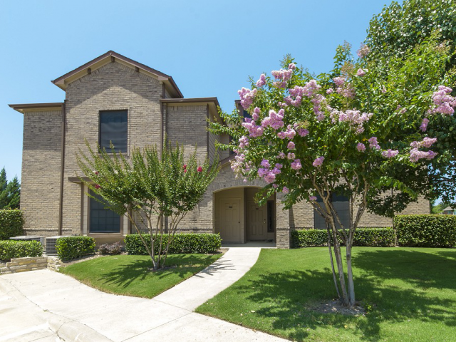 Exterior at Listing #138103
