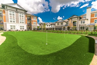 Putting Green at Listing #286876