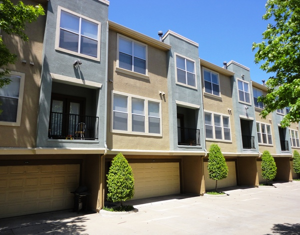 Exterior at Listing #137893
