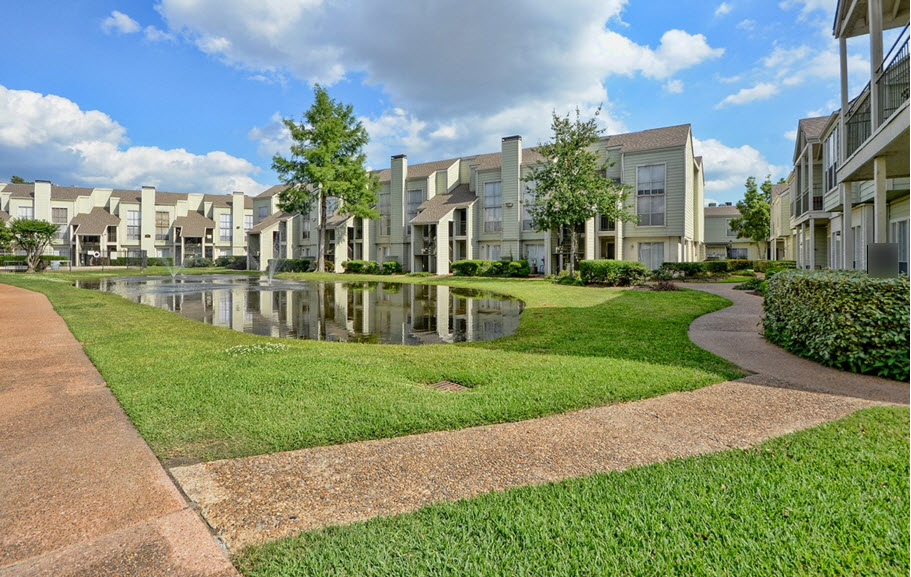 Park at Woodlake Apartments Houston TX