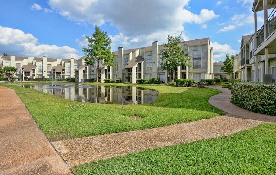 Park at Woodlake Apartments , TX
