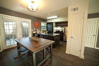 Dining/Kitchen at Listing #140198