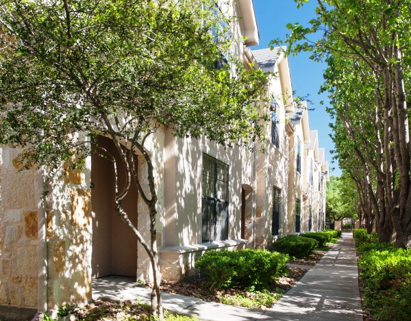 Exterior at Listing #141428