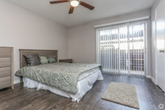 Bedroom at Listing #139433