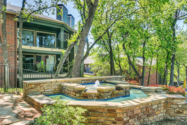 Wood Hollow Apartments Euless TX