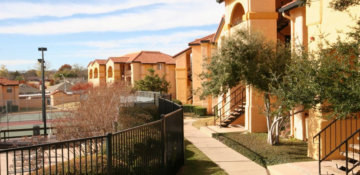 Crest Oasis Apartments Euless TX