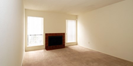 Living Room at Listing #139727