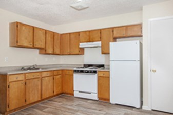 Kitchen at Listing #139294