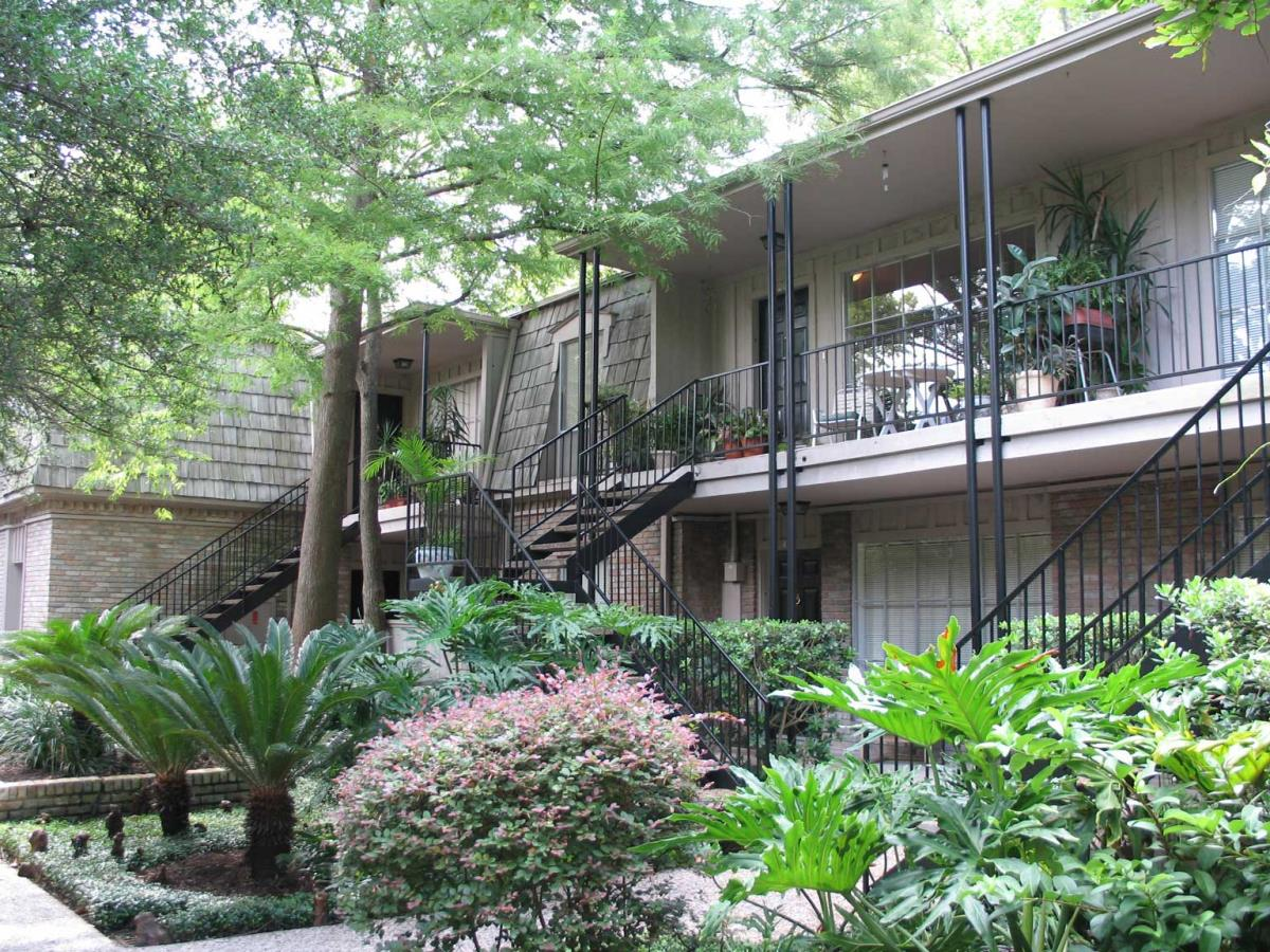 Exterior at Listing #138774