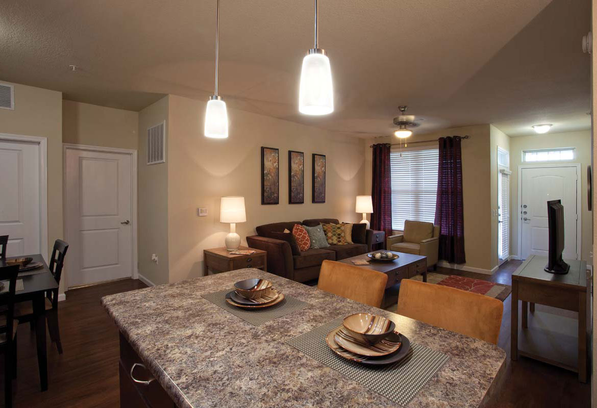 Living/Dining at Listing #282281