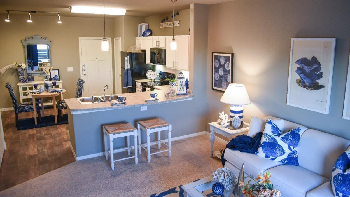 Living Area at Listing #286364