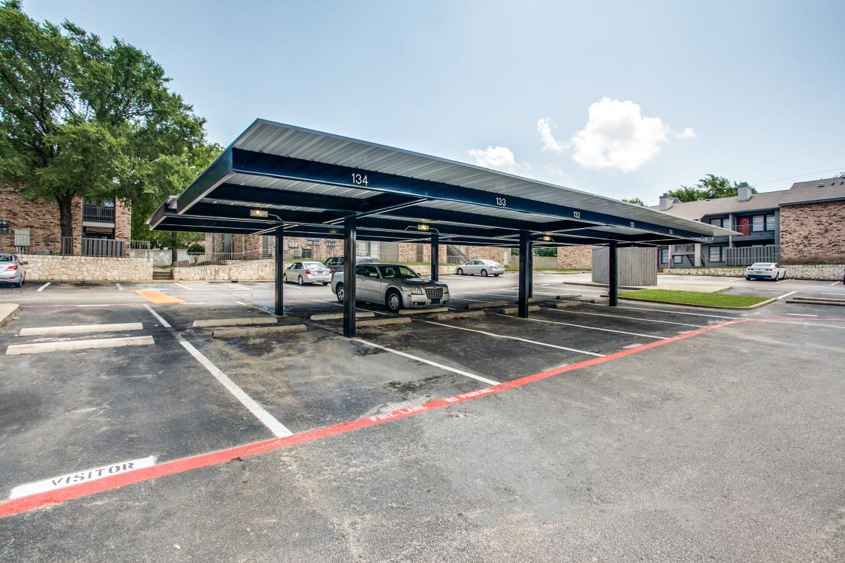 Covered Parking at Listing #136504
