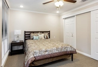 Bedroom at Listing #147793