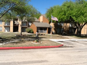 Exterior at Listing #141386