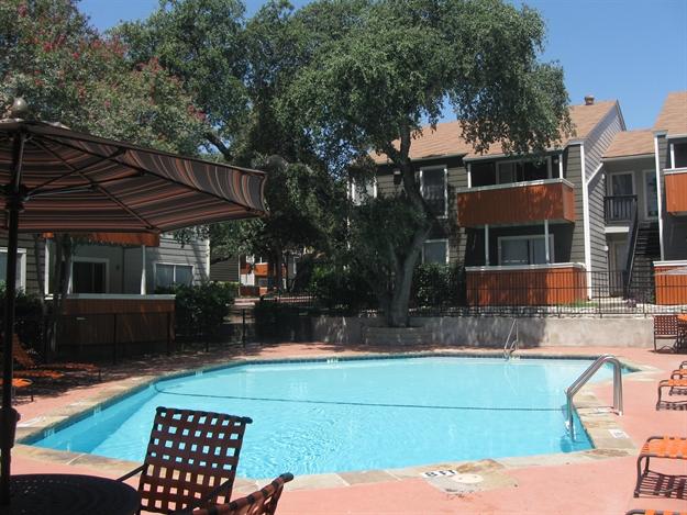 Pool at Listing #141009