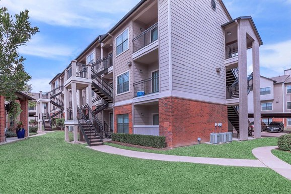 Heights of Benbrook Apartments