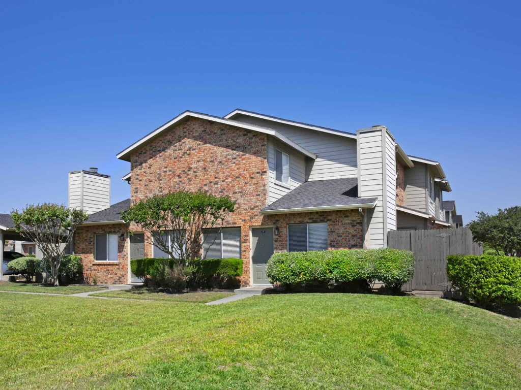 Rosemeade Townhomes Apartments Carrollton, TX