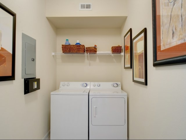 Laundry at Listing #144413