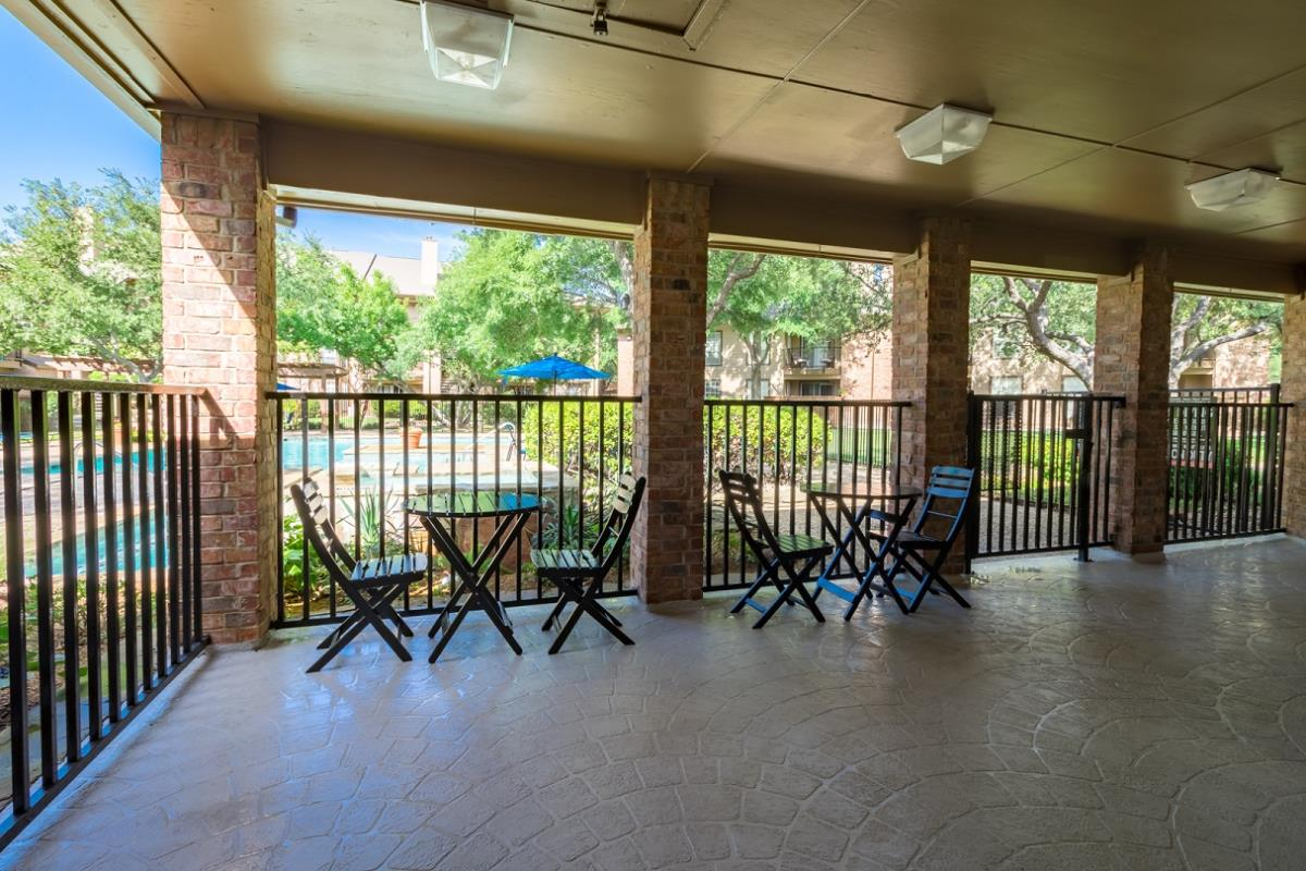 Lounge at Listing #135894