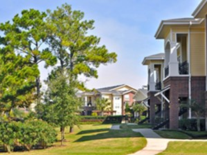 Exterior at Listing #145888
