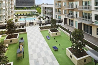 Courtyard at Listing #236581