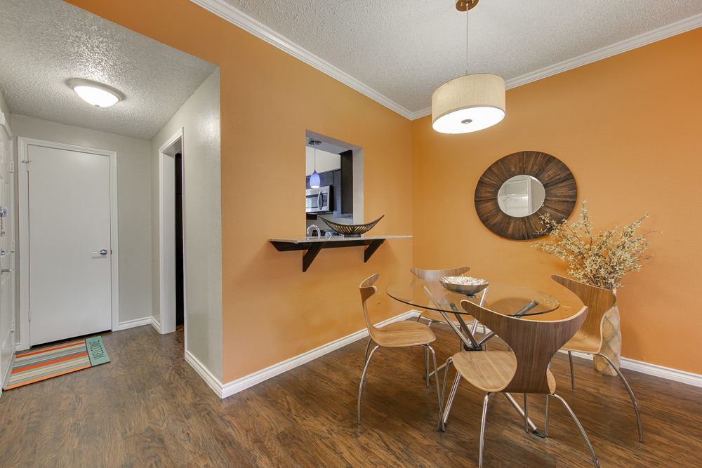 Dining at Listing #135737