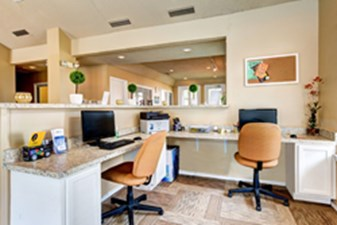 Business Center at Listing #140998