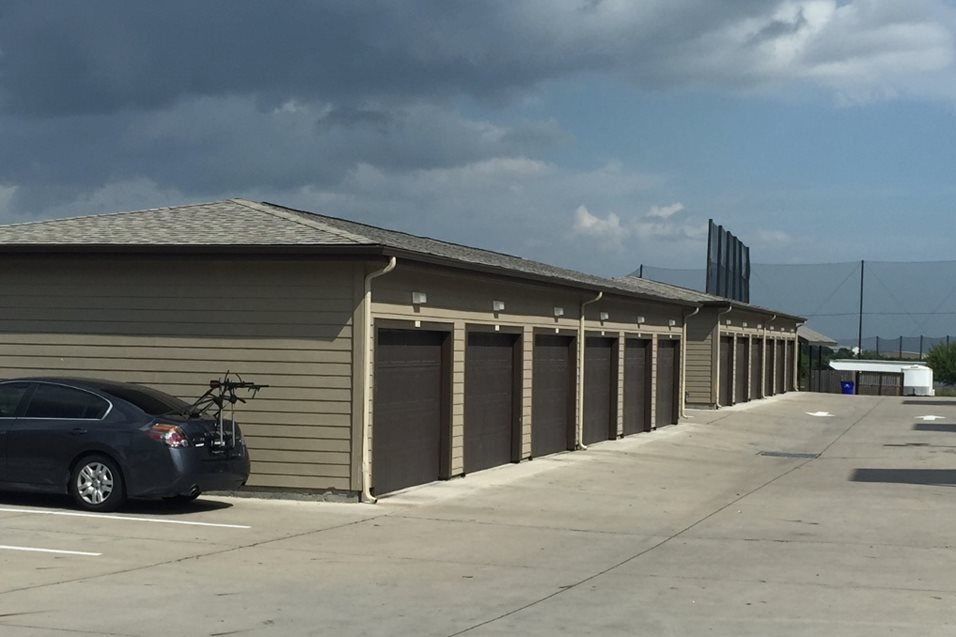 Covered Garages at Listing #226320