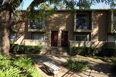 Exterior at Listing #139038