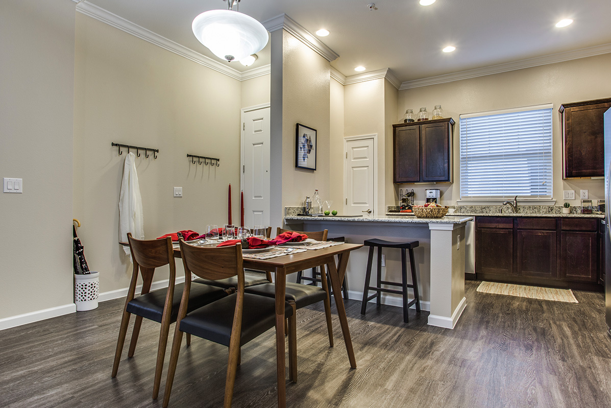 Dining/Kitchen at Listing #280219