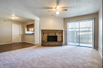 Living Room at Listing #137043