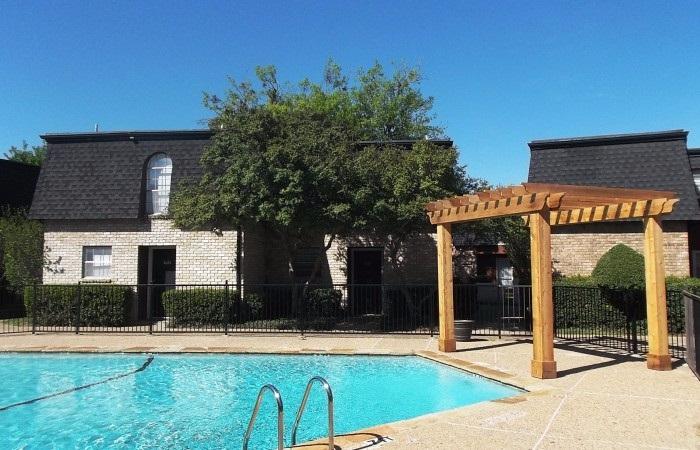 Pool at Listing #137223