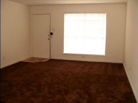 Living at Listing #140044