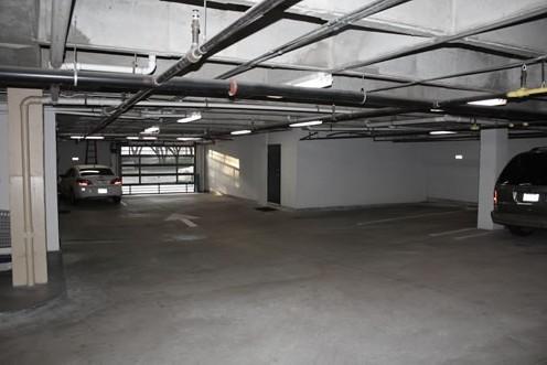 Garage at Listing #137979