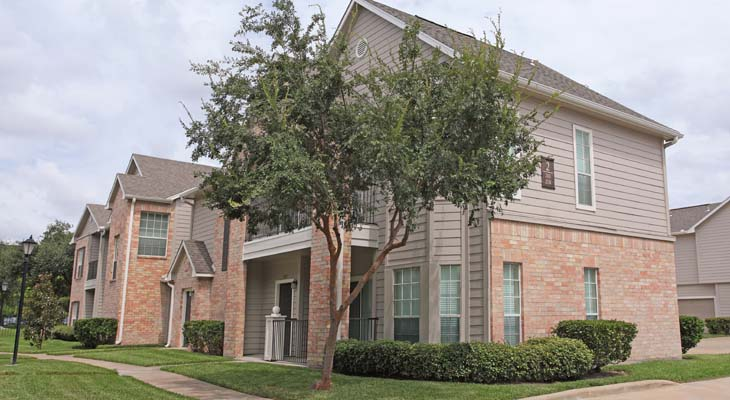 Exterior at Listing #138814