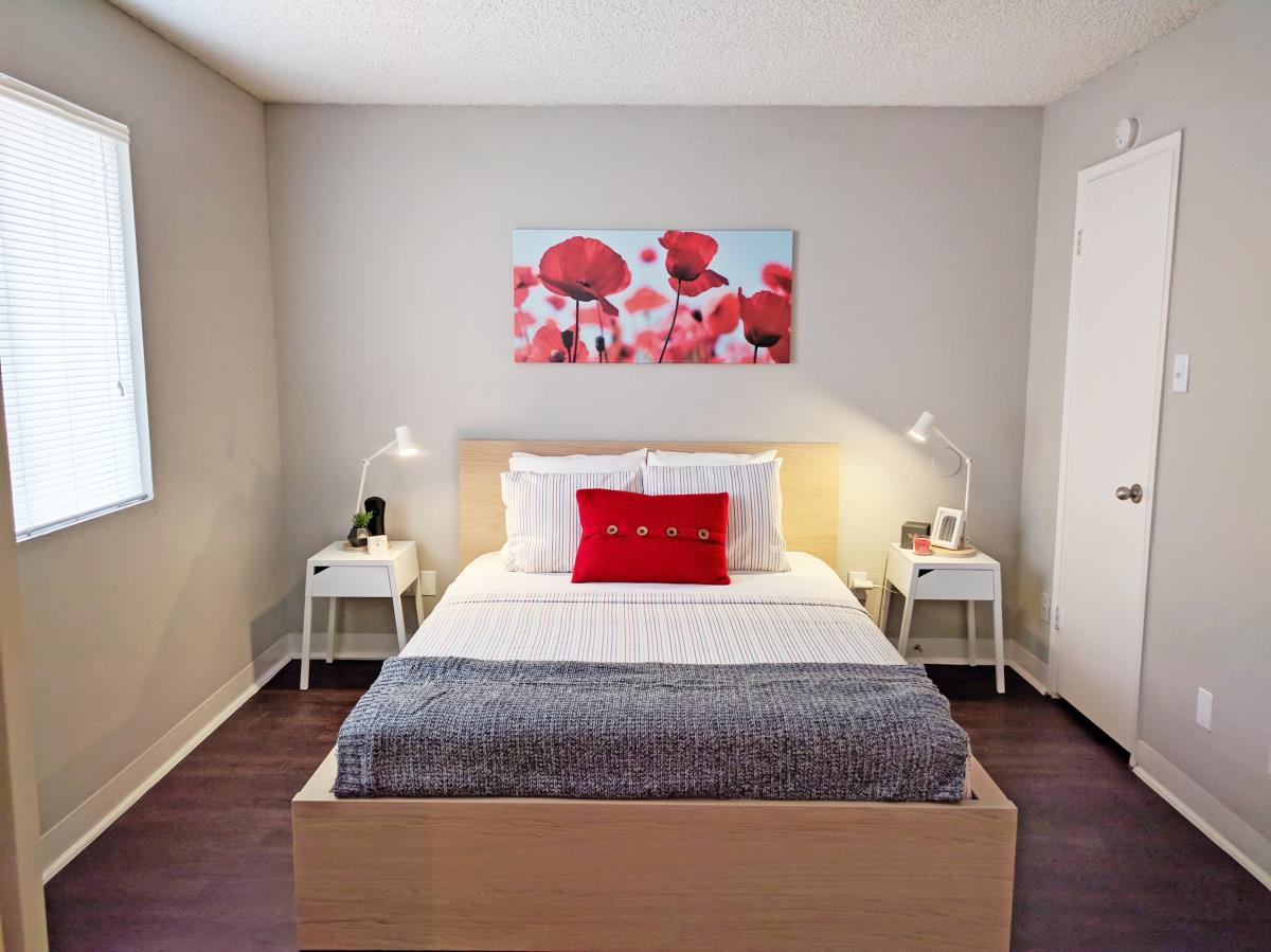 Bedroom at Listing #136580