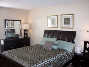 Bedroom at Listing #144714
