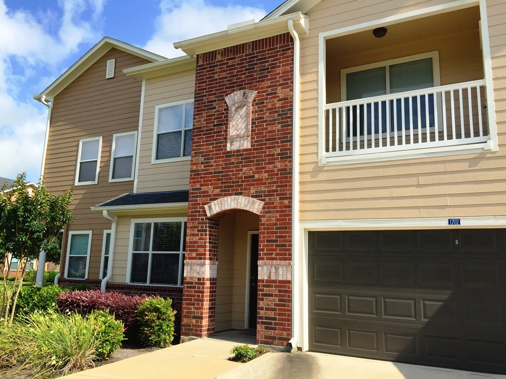 Exterior at Listing #145057